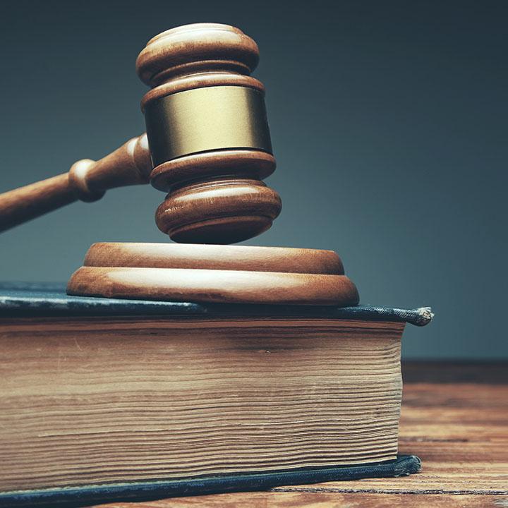 準拠法および管轄裁判所